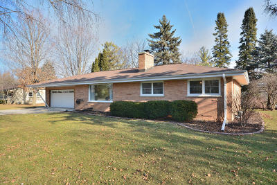 Brookfield Single Family Home Active Contingent With Offer: 4460 N 135th St