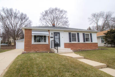 Wauwatosa Single Family Home Active Contingent With Offer: 181 Glenview Ave