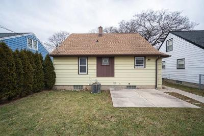 Milwaukee Single Family Home For Sale: 2649 S 66th St