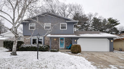 Kenosha Single Family Home Active Contingent With Offer: 8831 33rd Ave