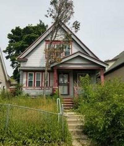 Milwaukee Single Family Home For Sale: 3212 N 29th St