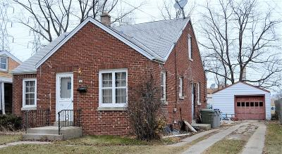 Milwaukee Single Family Home For Sale: 348 E Waterford Ave