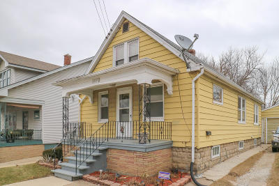 Racine Single Family Home Active Contingent With Offer: 1521 La Salle St