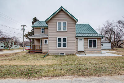 Mayville Single Family Home For Sale: 310 Kekoskee St