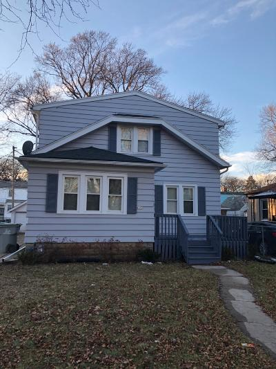Milwaukee Single Family Home For Sale: 4155 N 39th St