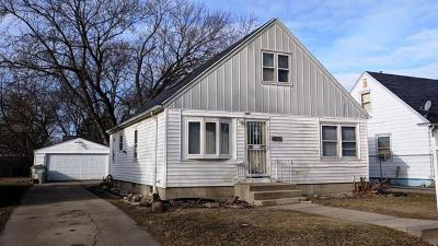 Milwaukee Single Family Home For Sale: 5467 N 56th St