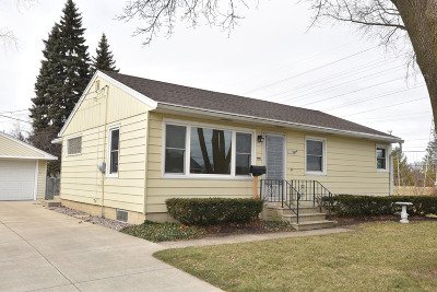 Milwaukee Single Family Home Active Contingent With Offer: 4055 S Taylor Ave