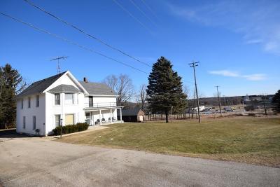 Kewaskum Single Family Home For Sale: 120 Badger Rd