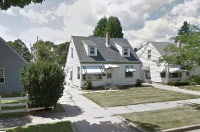 Milwaukee Single Family Home For Sale: 5509 N 54th St