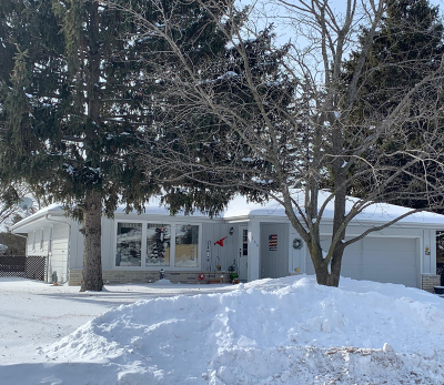 Waterford Single Family Home Active Contingent With Offer: 468 Rivermoor Dr