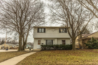 Milwaukee Single Family Home For Sale: 904 S 112th St