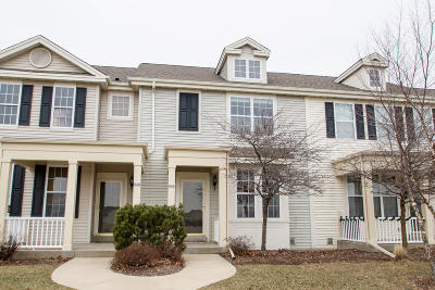 Watertown Condo/Townhouse For Sale: 636 Hunter Oaks Blvd