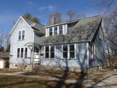 Single Family Home Active Contingent With Offer: 714 Walton St