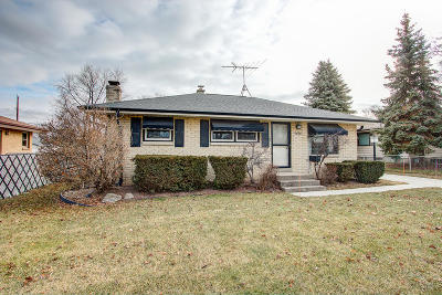 Single Family Home For Sale: 3668 S 80th St