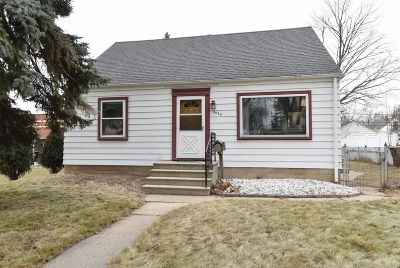 Milwaukee Single Family Home For Sale: 3420 S Nevada St