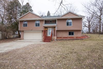 Waterford Single Family Home Active Contingent With Offer: 5420 Clearview Ln