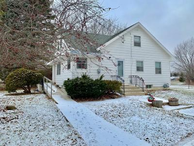 Pleasant Prairie WI Single Family Home For Sale: $186,000