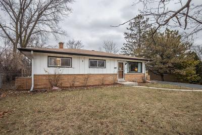 Milwaukee WI Single Family Home For Sale: $124,500