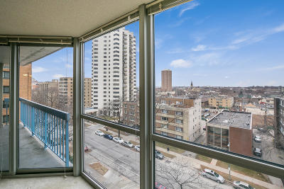 Milwaukee Condo/Townhouse For Sale: 1660 N Prospect Ave #704