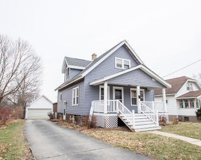 Watertown Single Family Home For Sale: 729 N Church St