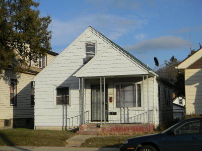 Milwaukee WI Single Family Home For Sale: $45,000