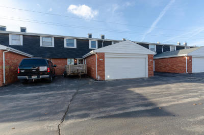 Waukesha WI Condo/Townhouse For Sale: $119,000