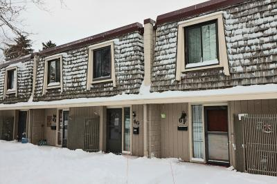 South Milwaukee WI Condo/Townhouse For Sale: $87,900