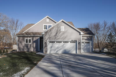 Pewaukee Single Family Home Active Contingent With Offer: N38w26820 Glacier Rd