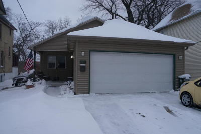 Kenosha Single Family Home Active Contingent With Offer: 2100 57th St