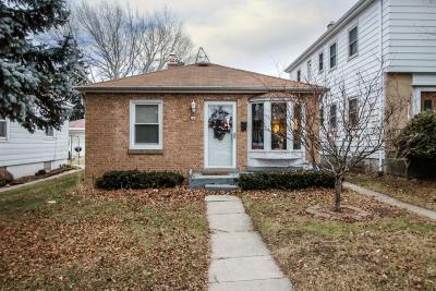 Milwaukee Single Family Home For Sale: 224 S 74th St