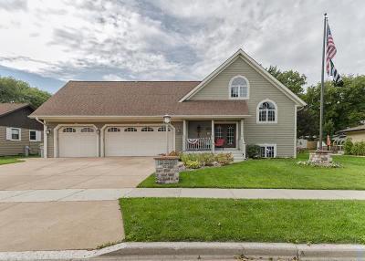 Milwaukee Single Family Home For Sale: 5933 S 18th St