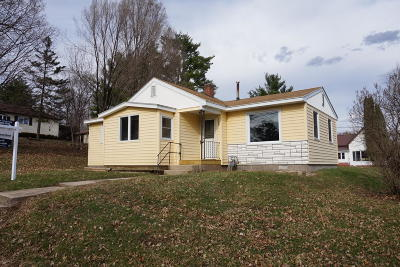 Vernon County Single Family Home For Sale: 320 N Maple St