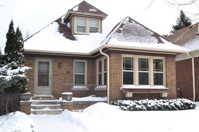 Milwaukee Single Family Home Active Contingent With Offer: 2554 S Howell Ave