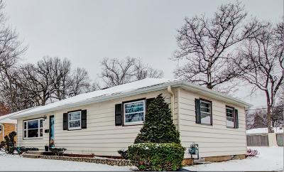West Allis Single Family Home Active Contingent With Offer: 2917 S 104th St