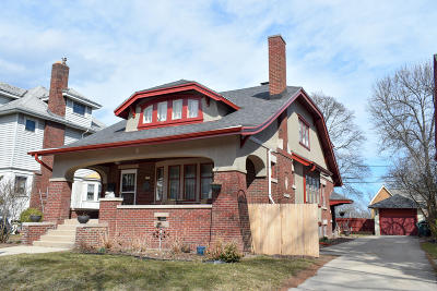 Milwaukee Single Family Home For Sale: 1752 N 48th St