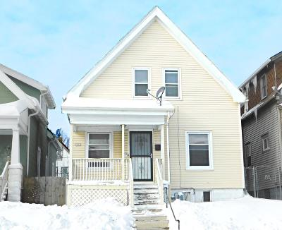 Milwaukee Single Family Home For Sale: 3357 N Holton St