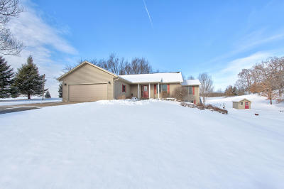 Vernon County Single Family Home Active Contingent With Offer: E7504 Circle Dr