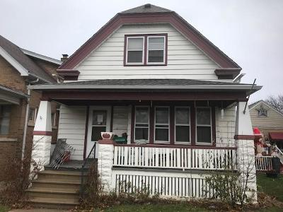 Milwaukee Single Family Home Active Contingent With Offer: 3244 S 14th St