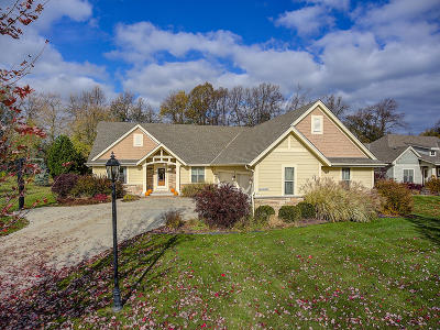 Waukesha Single Family Home Active Contingent With Offer: N24w23896 Hawks Meadow Dr