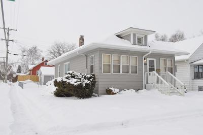 Kenosha Single Family Home Active Contingent With Offer: 5238 33rd Ave