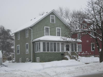 Waukesha Single Family Home For Sale: 251 N Racine Ave