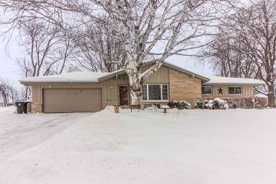 Menomonee Falls Single Family Home Active Contingent With Offer: W128n8518 Revere Rd