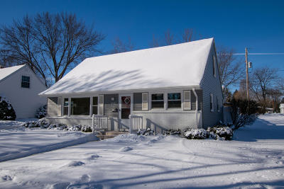 Cedarburg Single Family Home Active Contingent With Offer: W66n397 Kennedy Ave