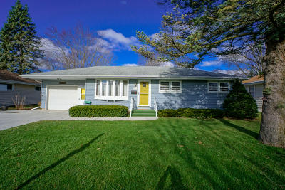 Menomonee Falls Single Family Home Active Contingent With Offer: W169n8429 Sheridan Dr