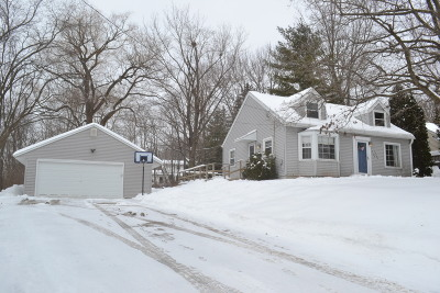 Muskego Single Family Home Active Contingent With Offer: W195s7593 Woodland Pl