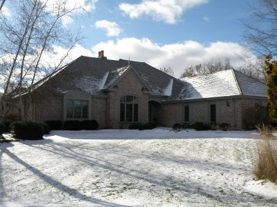 Oconomowoc Single Family Home Active Contingent With Offer: W353s3033 Tallgrass Ct