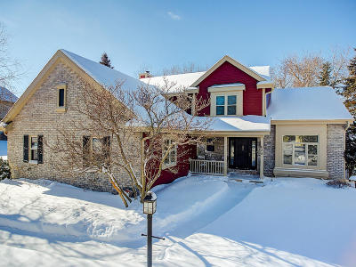 Hartland Single Family Home For Sale: 625 Bradford Way