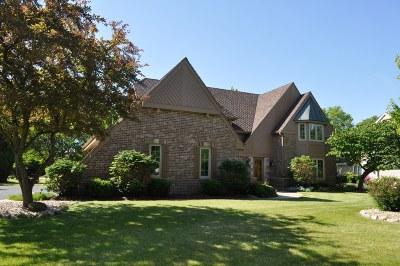 Ozaukee County Single Family Home For Sale: 2729 W Woodfield Dr
