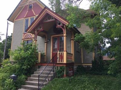 Single Family Home For Sale: 121 Arcadian Ave