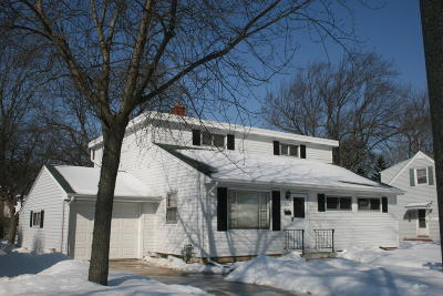 Milwaukee Single Family Home For Sale: 3259 S 53rd St